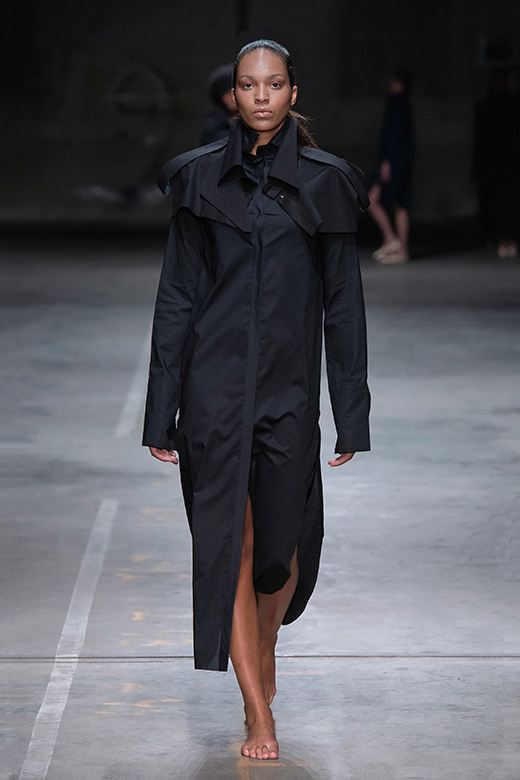 HAESUNG BONG,  Shirtdress Slim,  Black with Cape , 면 100%,  Cotton 100%