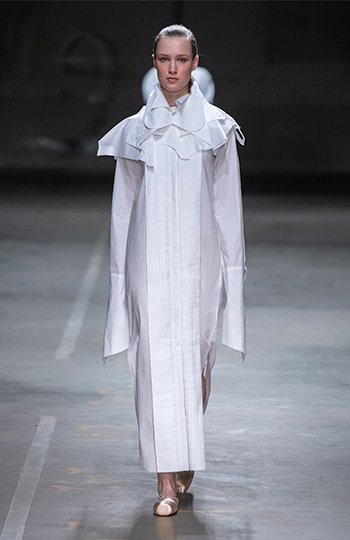 HAESUNG BONG, Shirtdress, Slim White with Cape, 면 100%,Cotton 100%